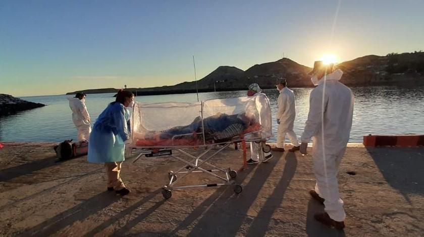 Trasladan por mar a paciente con covid desde Isla de Cedros(Cortesía)