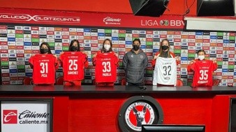 Xolas presenta a sus 5 nuevas jugadoras