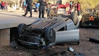 Una adolescente de 15 años de edad perdió el control del vehículo que conducía y se volcó.