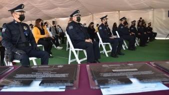 Otorgan ascensos a ocho policías municipales tras cumplir 25 años servicio