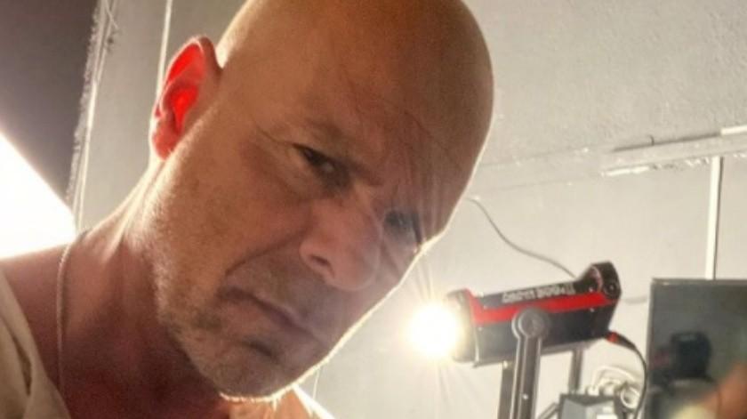 A pesar de advertirle que utilizara cubrebocas, el actor de Hollywood se resistió y lo sacaron del establecimiento.(Instagram/dobledebruce)