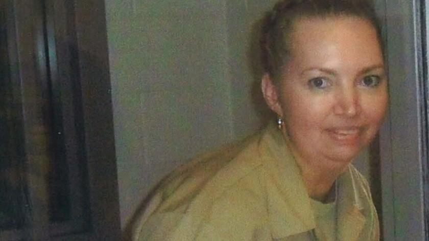 Montgomery, de 52 años, fue condenada en 2007 por matar en 2004 a una mujer de 23 años que estaba embarazada de ocho meses y extraerle el bebé, que luego fue recuperado sano y salvo por las autoridades.