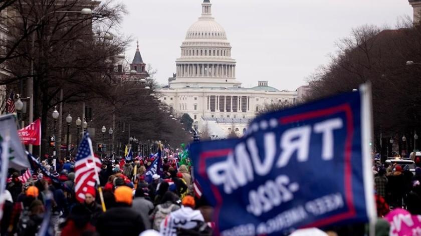 """Bajo la acusación de """"incitación a la insurrección"""" tras el asalto de la semana pasada al Capitolio.(EFE)"""