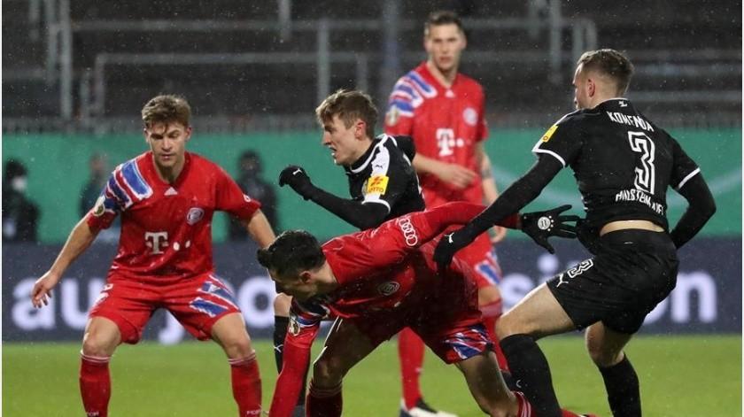 El Bayern Múnich ya no podrá defender su bicampeonato de la Copa de Alemania tras ser eliminado por equipo de segunda división.(EFE)