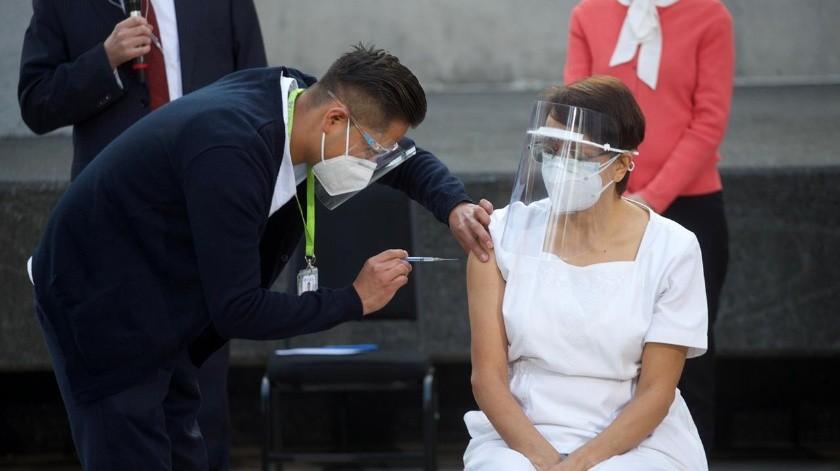 López- Gatell pidió al personal médico continuar con las medidas sanitarias y de protección, aunque ya estén vacunados contra el Covid-19(El Universal)