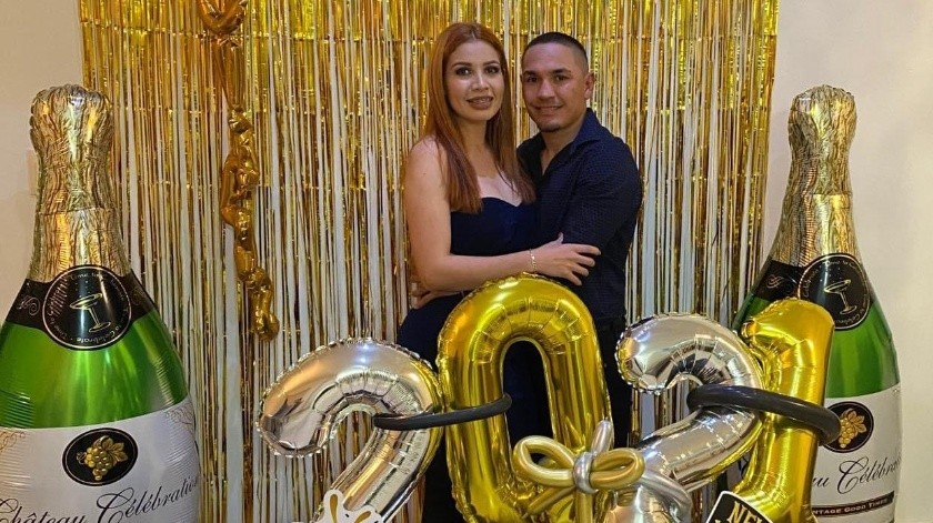 Juan Francisco Estrada le propuso matrimonio a su novia.(Twitter @GalloEstradaOfi)