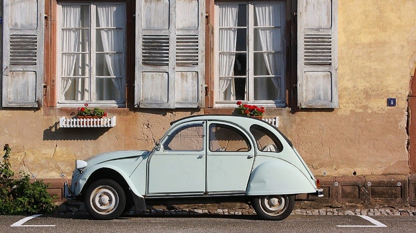 Es fácil de contratar un seguro de auto en linea