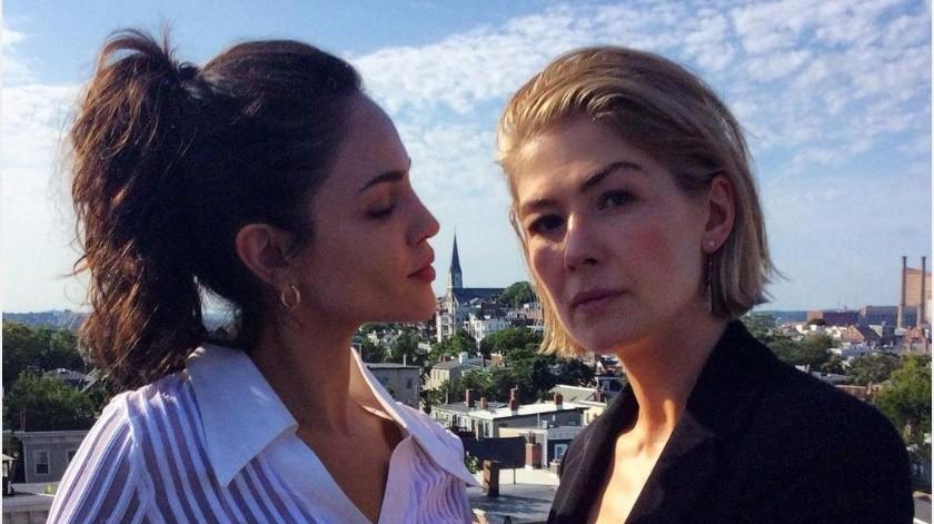 "Eiza González y Rosamund Pike actuarán juntas en la película ""I Care a Lot"".(Tomada de la red)"