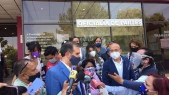 Ramírez, aislado en su casa porque padece la covid-19, desafió al INE, con quien el Ejecutivo mantiene abierta una guerra de declaraciones, al asegurar que