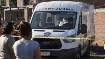 Los cadáveres de siete hombres y una mujer, asesinados presuntamente por el crimen organizado, aparecieron este viernes en el Estado de Michoacán en un río, confirmó la fiscalía de la región