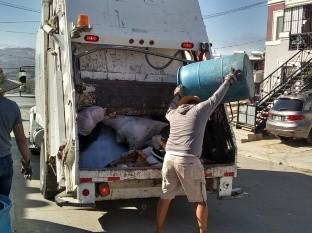Sin funcionar 50 camiones recolectores de basura en Tijuana