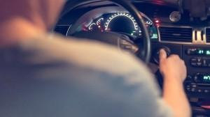 Policía halla a conductor amenazado por pasajero en transporte por aplicación