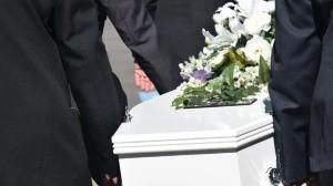 Asisten a velorio, se contagian de Covid y mueren 16 integrantes de una familia
