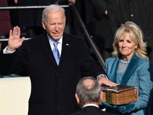 En su primer discurso como presidente, Biden dijo que era el día de la democracia, historia y esperanza, así como renovación y resolución