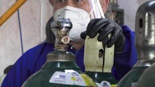 Trabajadores comentaron que esta pandemia los hizo reflexionar sobre la responsabilidad que tienen de proveer algo tan vital como lo es el oxígeno medicinal a sus clientes.