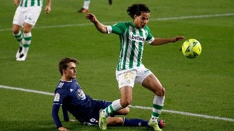 El futbolista mexicano ha aparecido en las alineaciones de Manuel Pellegrini en los últimos cinco partidos.
