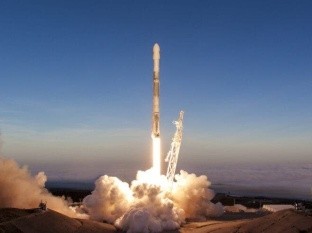 SpaceX lanza otros 60 satélites Starlink, eleva su número a más de 1000
