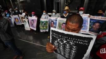"""Reconoce AMLO que caso Ayotzinapa """"nos ha costado mucho trabajo"""""""
