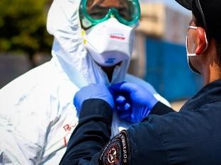 Vacunarán a bomberos de Mexicali que atienden llamados Covid