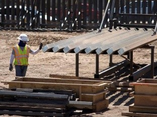 Sigue construcción del muro de Donald Trump pese a orden de Joe Biden