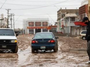 Atienden 26 vialidades por inundaciones en Mexicali