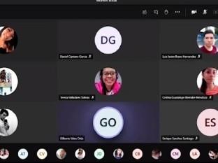 VIDEO: Denuncian a maestro por dar clases virtuales desde cantina