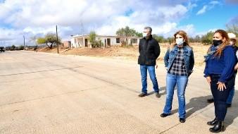 Entre otras, la Gobernadora entregó las obras de rehabilitación de un estadio de beisbol y de pavimentación con concreto hidráulico.