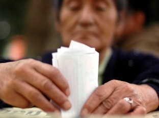Inician trámites 42 candidatos independientes a alcaldes en Edomex