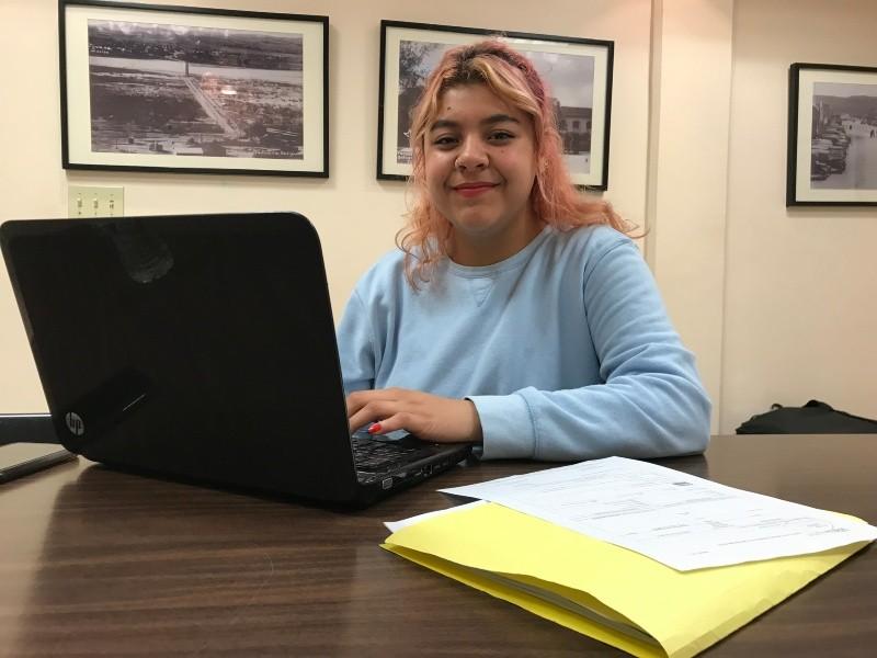 Abril Robles Ríos estudia el octavo semestre de la carrera de Sicología de UABC campus Tijuana.